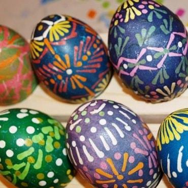 Velykinio kiaušinio dekoravimas vašku