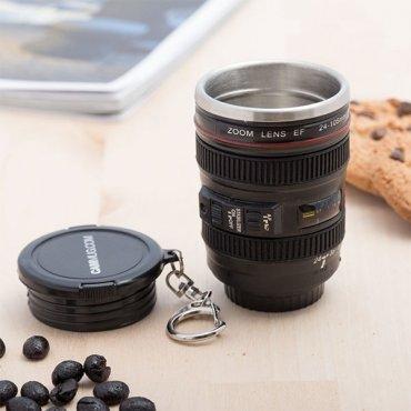 """Raktų pakabukas – mini puodelis """"Fotoaparato objektyvas"""""""