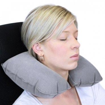 Pripučiama kelioninė pagalvė