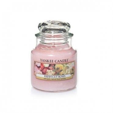"Yankee Candle žvakė ""Fresh cut roses"""