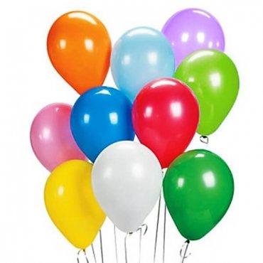 Įvairių spalvų balionai