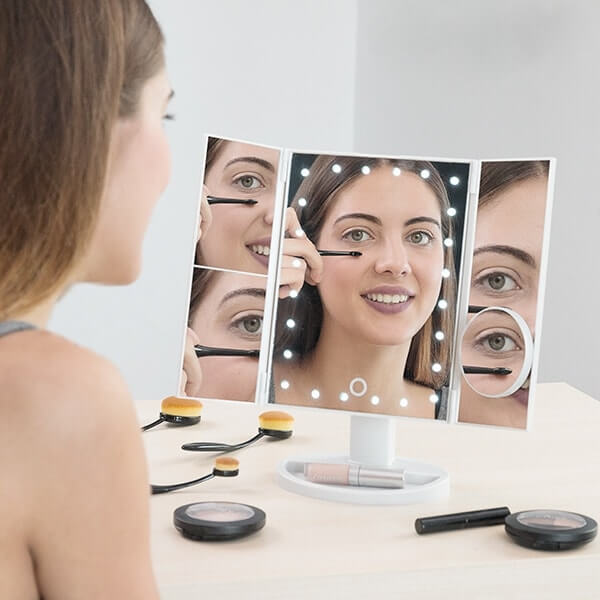4 dalių padidinamasis veidrodis